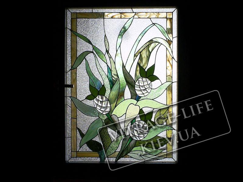 Стиле тиффани с изображением растения