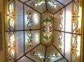витраж в стеклянной крыше с подсветкой